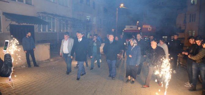Başkan Akın, davul zurna ve meşalelerle karşılandı