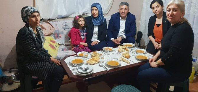 İl Başkanı Kalaycı, iftar sofrasında Müslümanlar için dua etti