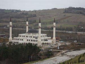 Kampüs Cami inşaatının bitirileceğinin sözünü aldık