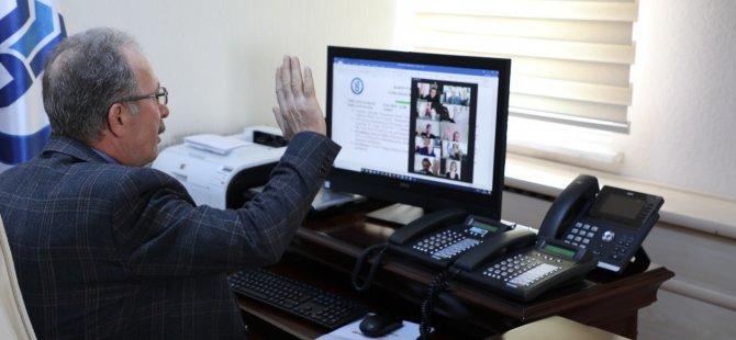 Rektör Uzun, 536 ders sorumlusuyla video konferansta bir araya geldi