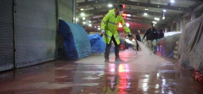 Hijyenik ve sağlıklı alışveriş için pazaryerleri dezenfekte edildi