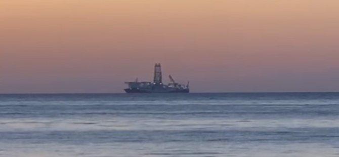 """İlk yerli sondaj gemisi """"Fatih"""" seferinin 4.gününde Bartın'a geldi"""