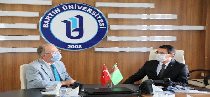 Türkmenistan Büyükelçisi Amanlıyev, Rektör Uzun'u ziyaret etti