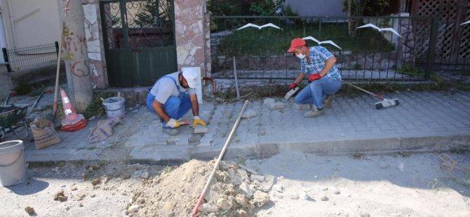 Yol ve kaldırımlar onarılıyor
