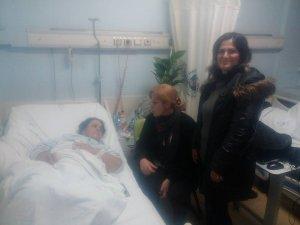 Ak kadınlardan hastane ziyareti