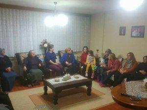 Ak Kadınlar ev toplantılarına başladı