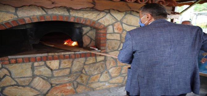 Başkan Akın, Geleneksel Değeri Olan Taş Fırında Pide Pişirdi