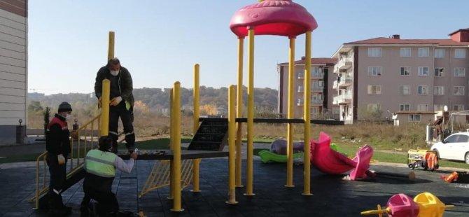 Yeni Yapılan Parka Oyun Grupları Yerleştirildi