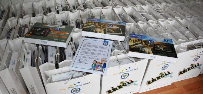 Belediye, 100 Öğrenciye Tablet Desteğinde Bulundu