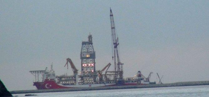 Kanuni'nin kule montajı Filyos Limanı'nda devam ediyor