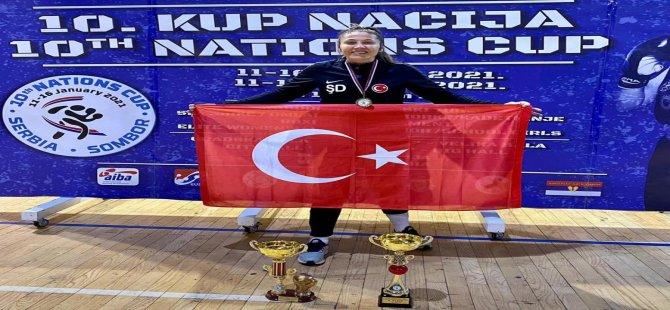Sırbistan'da altın madalya kazandı