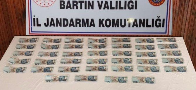 Sahte Paraları Piyasaya Sürmek Üzereyken Suçüstü Yakalandı