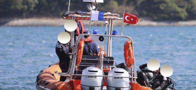 Dalgıçlar batan gemide ceset aradı