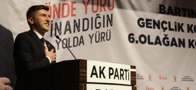 """Türkiye'nin en """"genç"""" başkanı güven tazeledi"""