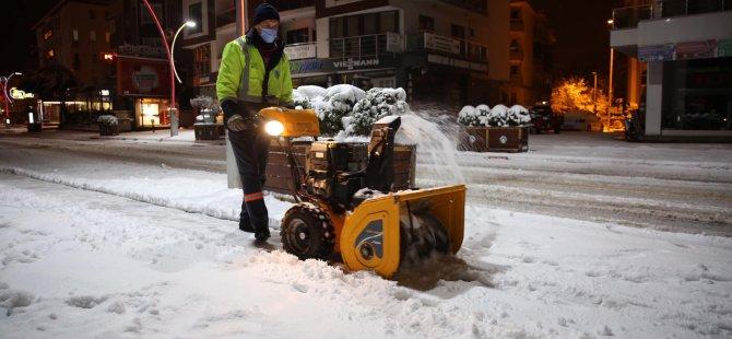 Kaldırımlar İçin Mini Kar Küreme Aracı Alındı