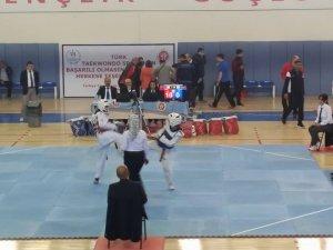 Taekwondo müsabakaları başladı