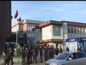 MHP'den ihraç edilen Milletvekili Özdağ, protesto edildi