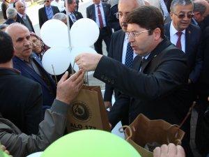 Tunç, Ulus İlçesinde Vatandaşlara Fidan Dağıttı