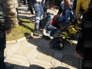 Ağaçtan düşen kişi yaralandı
