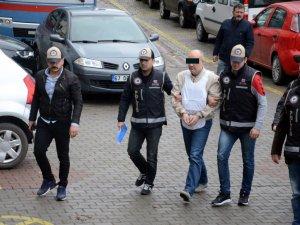 Rodos'a Kaçmak İsterken Yakalanan FETÖ/PDY şüphelisi hakim karşına çıkarıldı