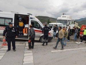 Karabük'te Tırla Kamyonet Çarpıştı: 1 Ölü, 3 Yaralı