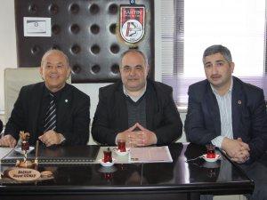 Encümen üyelerinden Muhtarlar Derneği'ne teşekkür ziyareti