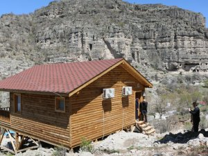 Frigler'in 3 Bin 200 Yıllık Kaya Evleri Turizme Kazandırılıyor