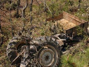 Kastamonu'da Koyun Yüklü Traktör Devrildi