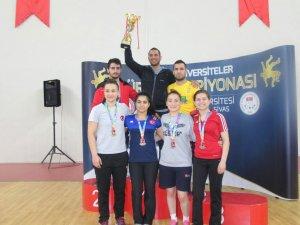 Bartın Üniversitesi serbest stil güreşte Türkiye ikincisi oldu