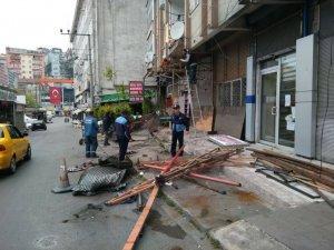 Binaların kaçak eklentileri yıkıldı