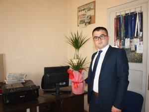 Başkan Akın'dan çiçekli kutlama