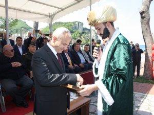 Vali Dirim Amasra'nın anahtarını teslim aldı