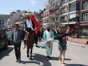 Yabancı turistler Fatih Sultan Mehmet'e büyük ilgi gösterdi