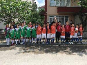 Kızılelma Ortaokulu'ndan Futsalda 2 derece