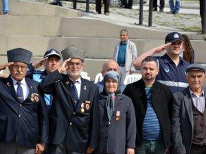 Kıbrıs Gazisi Eşinin Vasiyetini Yerine Getiriyor