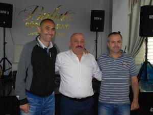 Bartınspor, antrenör ve futbolculara imzayı attırdı