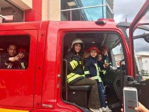 Minik öğrencilere yangın eğitimi verildi