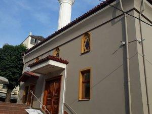 Arap Camii ibadete açıldı