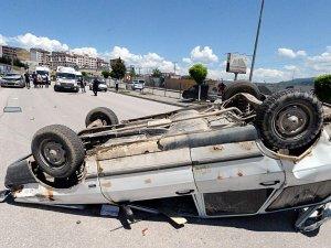 Karabük'te İki Otomobil Çarpıştı: 2 Yaralı