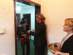 Ak Parti Kadın Kollarından Çat Kapı İftar Ziyareti