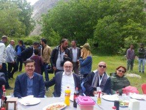 Yurtbay, Kuyumcular Birliği Toplantısı için Hakkari'ye gitti