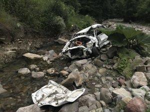Uçuruma Yuvarlanan Otomobilin Sürücüsü Öldü