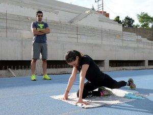 Milli Atlet Melike Dünya Şampiyonluğu İçin Koşuyor