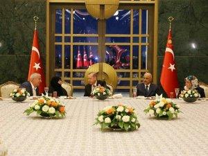 Cumhurbaşkanı Erdoğan, esnafa iftar verdi