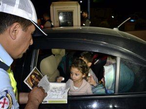 Karabük'te Sürücülere Polisten Lokum İkramı