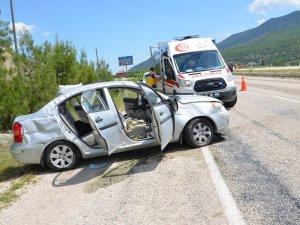 Kazada Yaralanan Yakınlarını Ziyaretten Dönerken Kaza Yaptılar