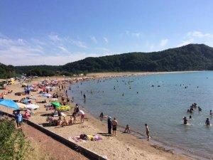 Bayram Tatilini Fırsat Bilen Vatandaşlar Plaja Akın Etti