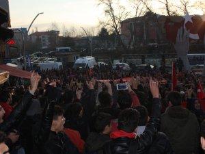 """""""Şehitlere Saygı Yürüyüşü"""" düzenledi"""