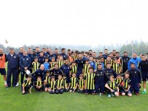 Bartınlı gençler Fenerbahçe antrenmanını izledi