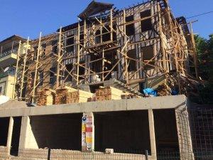 Ahşap ev restore ediliyor